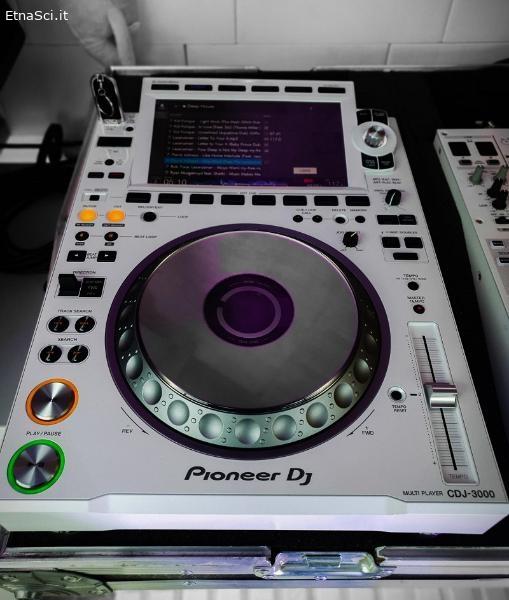 PIONEER CDJ-3000 / CDJ 2000 NXS2 / DJM 900 NXS2
